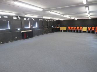 Drama Hut - Roding Valley High School - Essex - 3 - SchoolHire