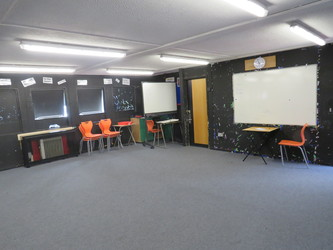 Drama Hut - Roding Valley High School - Essex - 4 - SchoolHire