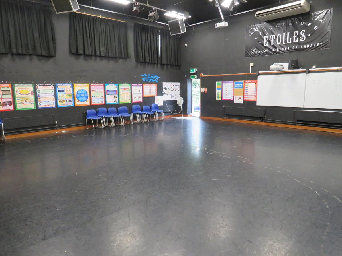 Drama Studio - Roding Valley High School - Essex - 4 - SchoolHire