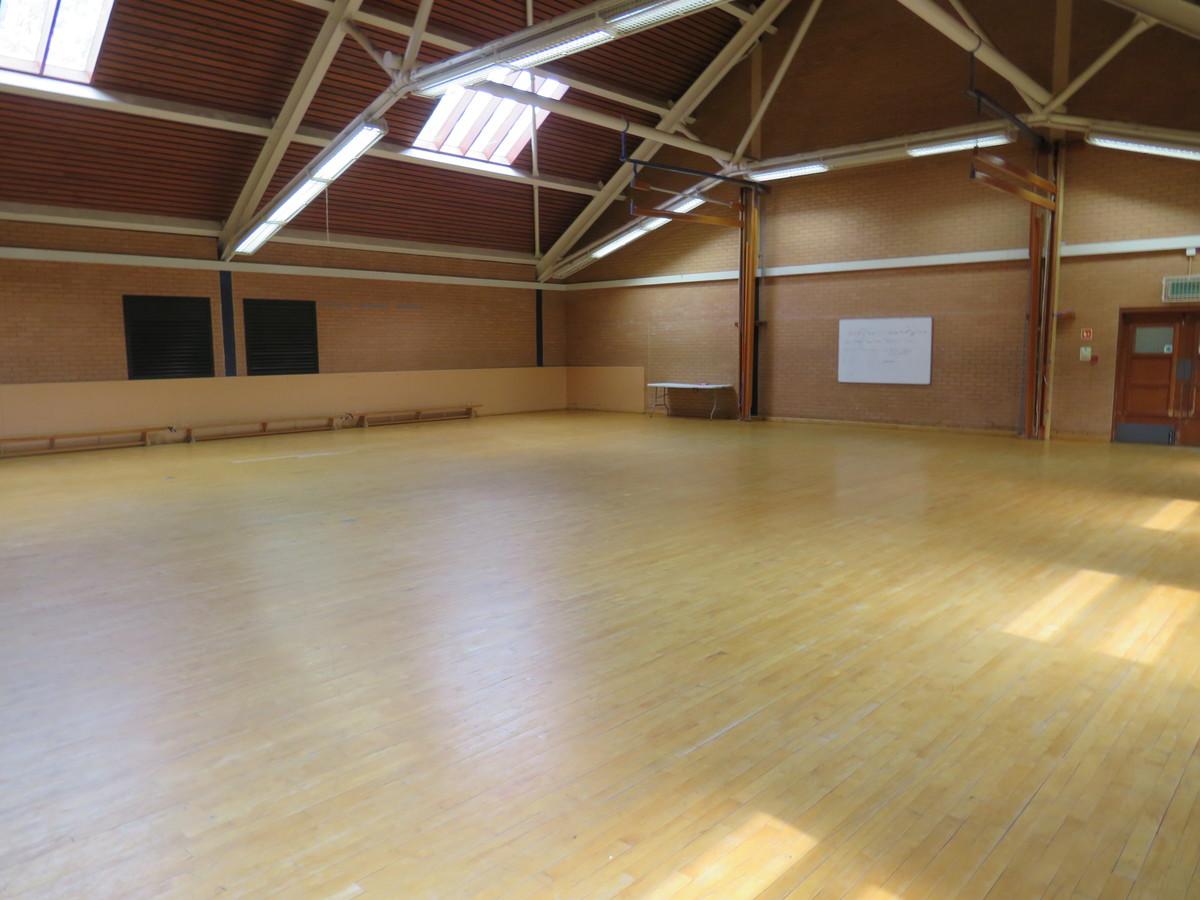 Gymnasium - Roding Valley High School - Essex - 4 - SchoolHire