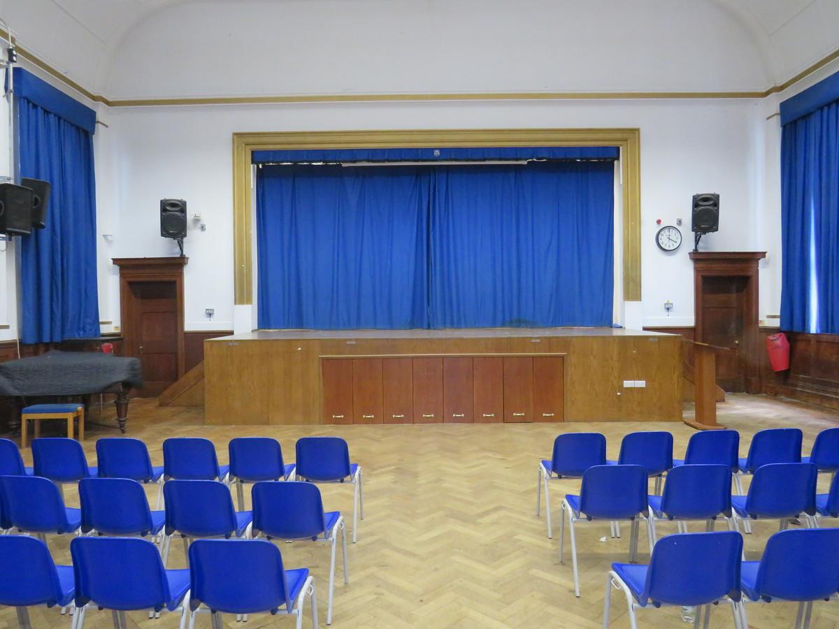 Main Hall - Roding Valley High School - Essex - 4 - SchoolHire
