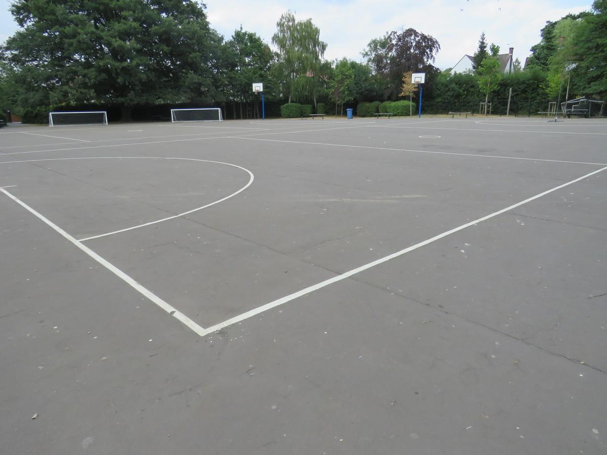 Main School Playground - Roding Valley High School - Essex - 1 - SchoolHire