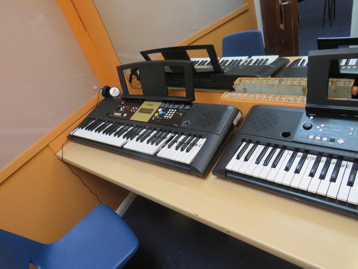 Music Room - Roding Valley High School - Essex - 3 - SchoolHire