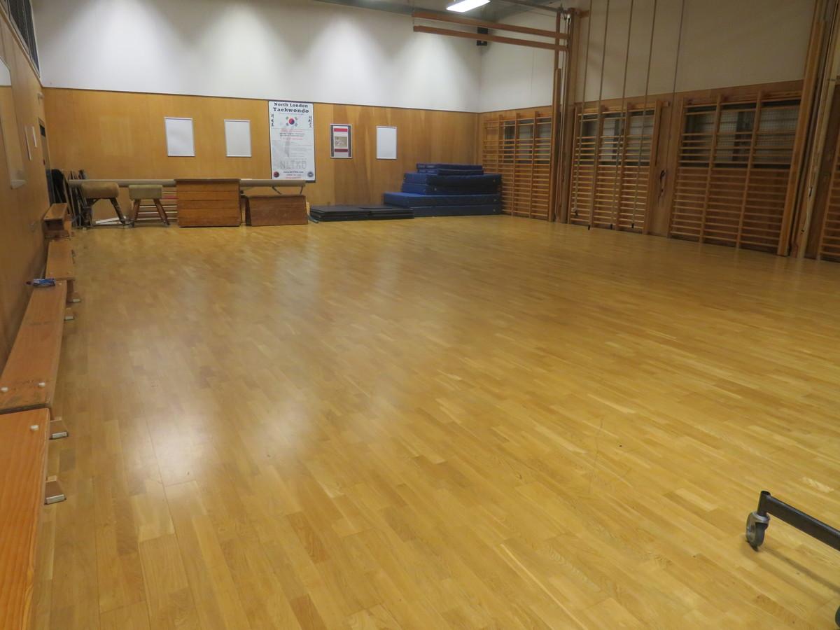 Gymnasium - Gladesmore Community School - Haringey - 1 - SchoolHire