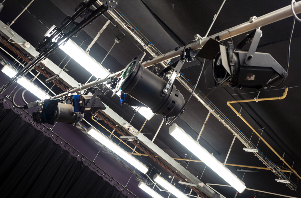 Drama Studio - Fairfield High School - Bristol City of - 2 - SchoolHire
