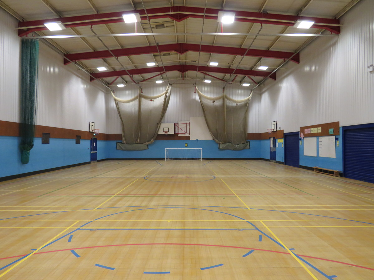 Sports Hall - Large - The Mirfield Free Grammar and Mirfield College - Kirklees - 2 - SchoolHire