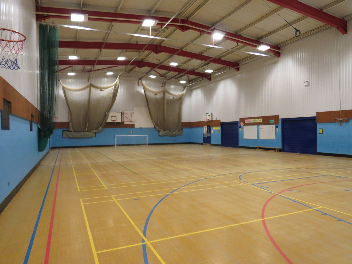 Sports Hall - Large - The Mirfield Free Grammar and Mirfield College - Kirklees - 4 - SchoolHire