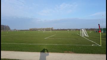 Small grass pitch set up3