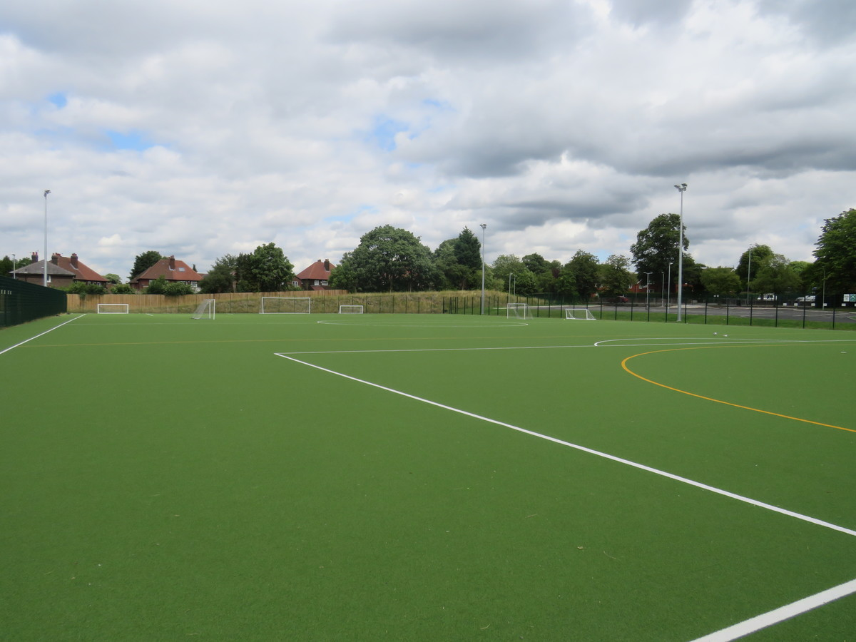 Astro Turf football/hockey pitch - Werneth School - Stockport - 3 - SchoolHire