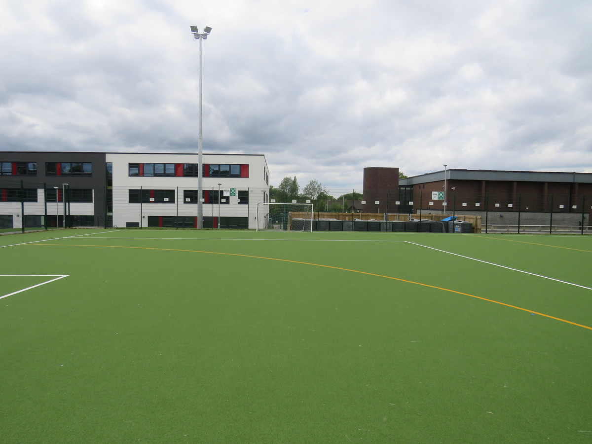 Astro Turf football/hockey pitch - Werneth School - Stockport - 4 - SchoolHire