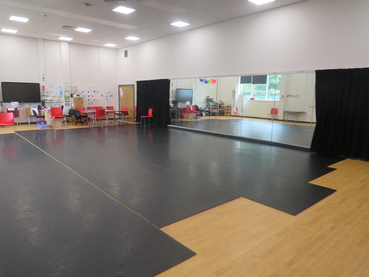 Dance Studio - Werneth School - Stockport - 1 - SchoolHire