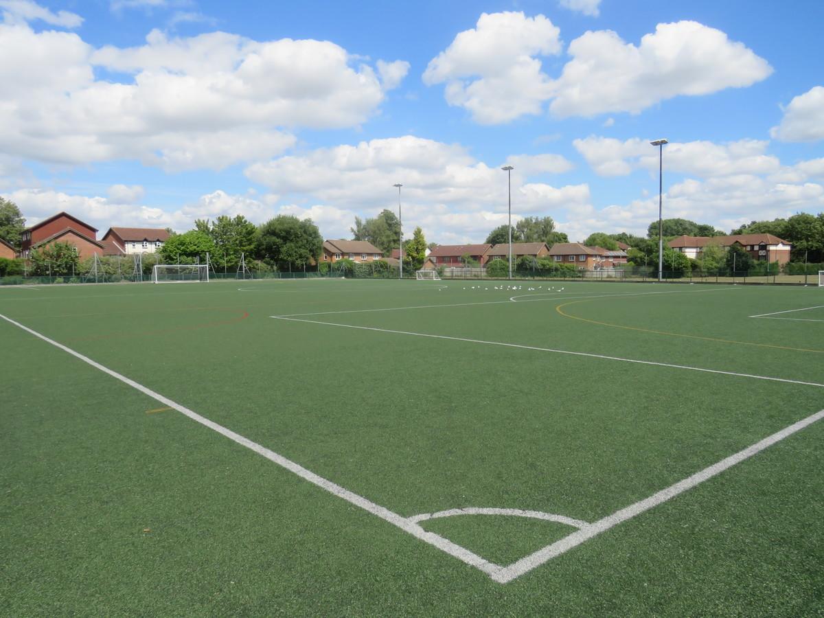 3G Football Pitch - The Warwick School - Surrey - 1 - SchoolHire