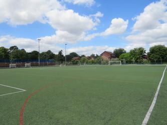 3G Football Pitch - The Warwick School - Surrey - 4 - SchoolHire