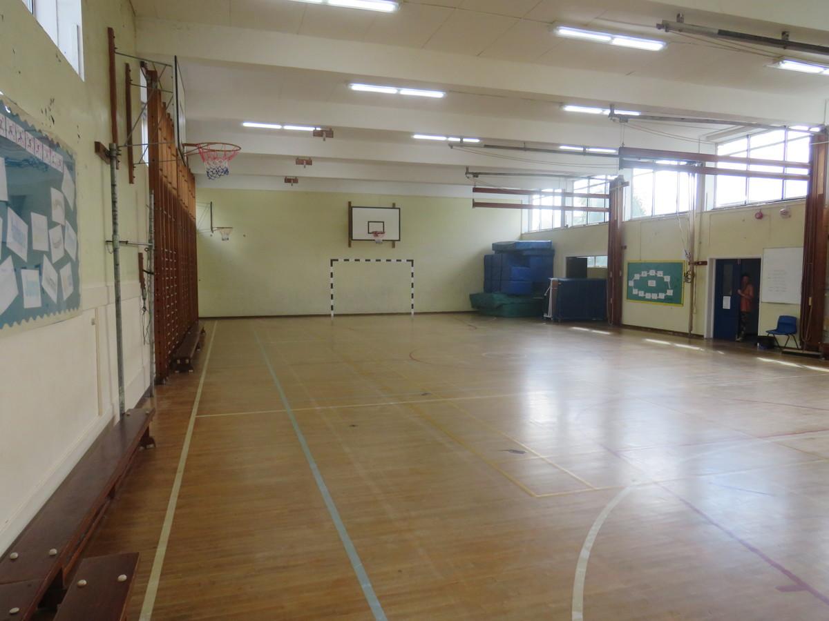 Gymnasium - The Warwick School - Surrey - 4 - SchoolHire
