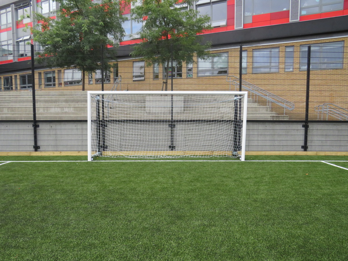 3G Football Pitch - Skinners' Academy - Hackney - 3 - SchoolHire