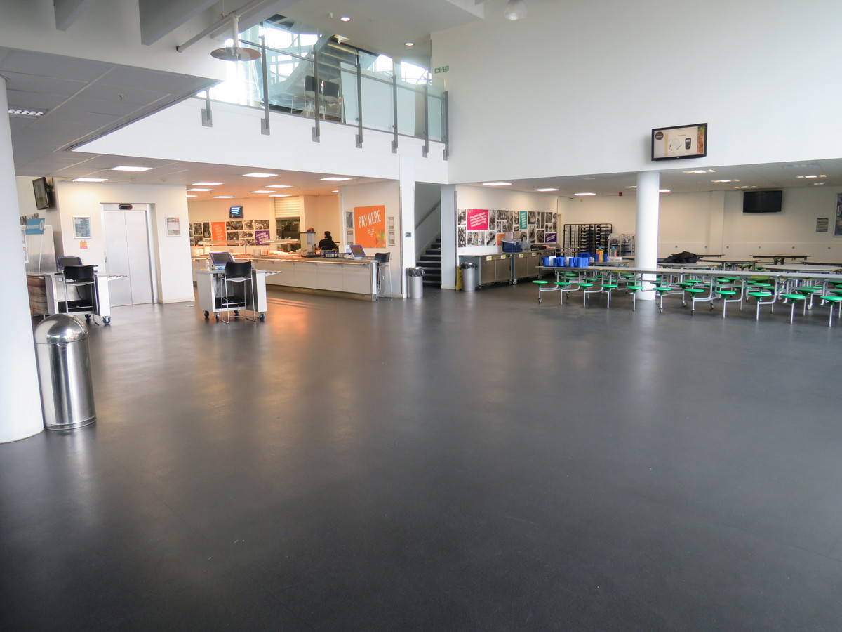 Canteen - Skinners' Academy - Hackney - 2 - SchoolHire