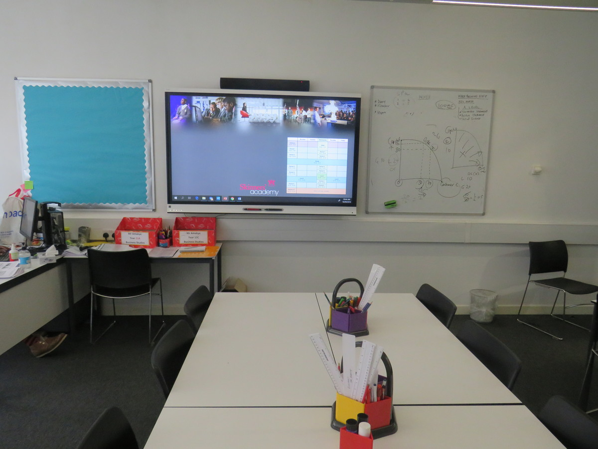Classroom - Standard - Skinners' Academy - Hackney - 3 - SchoolHire