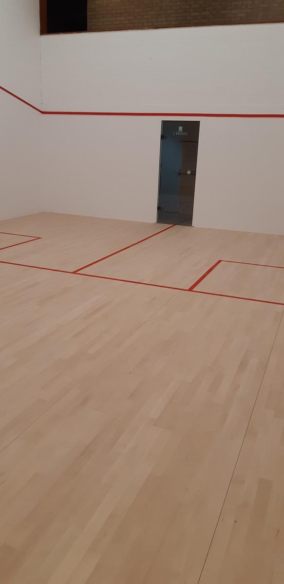 Squash Court 1 - The Joseph Whitaker School Sports College - Nottinghamshire - 3 - SchoolHire
