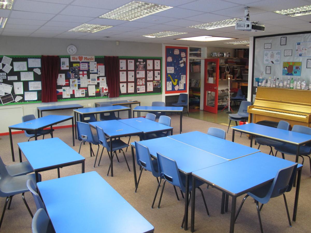Music Room - Wallace Fields Junior School - Surrey - 2 - SchoolHire
