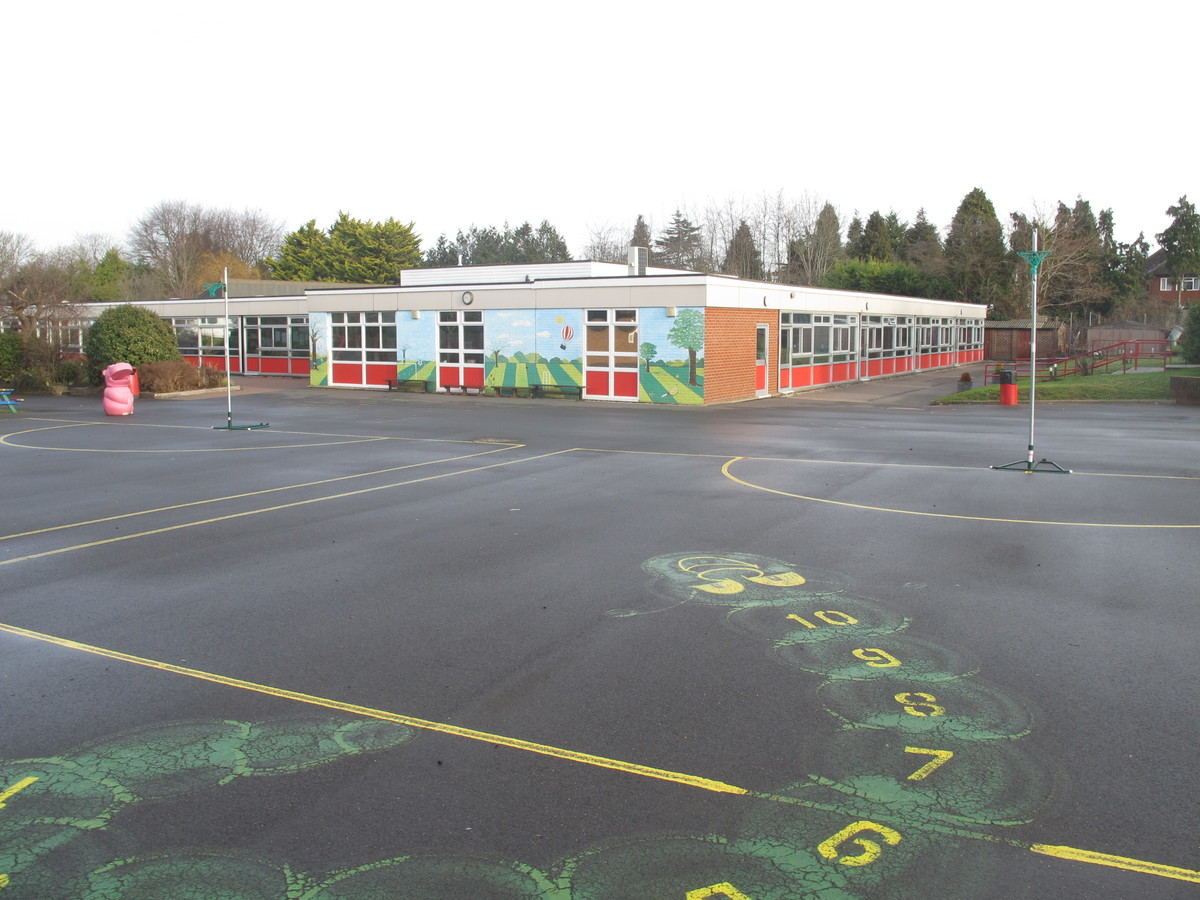 Netball Court - Wallace Fields Junior School - Surrey - 1 - SchoolHire