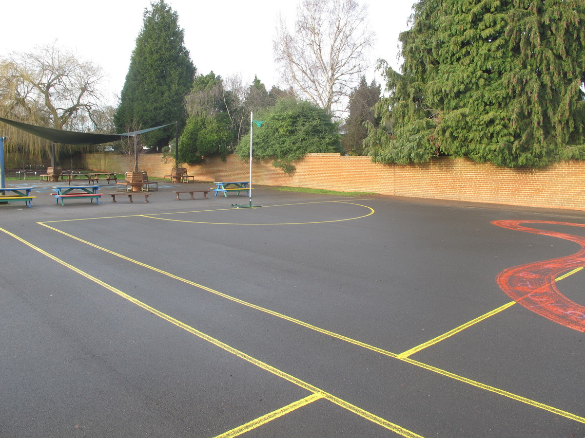 Netball Court - Wallace Fields Junior School - Surrey - 4 - SchoolHire