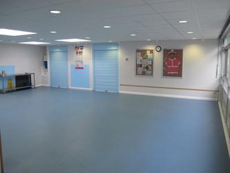 Small Hall - Wallace Fields Junior School - Surrey - 2 - SchoolHire