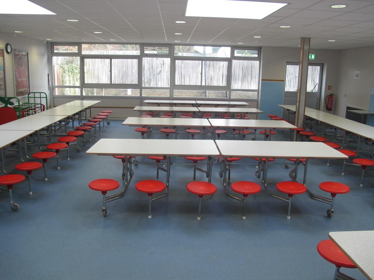 Small Hall - Wallace Fields Junior School - Surrey - 4 - SchoolHire