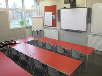 Small meeting room - Wallace Fields Junior School - Surrey - 1 - SchoolHire