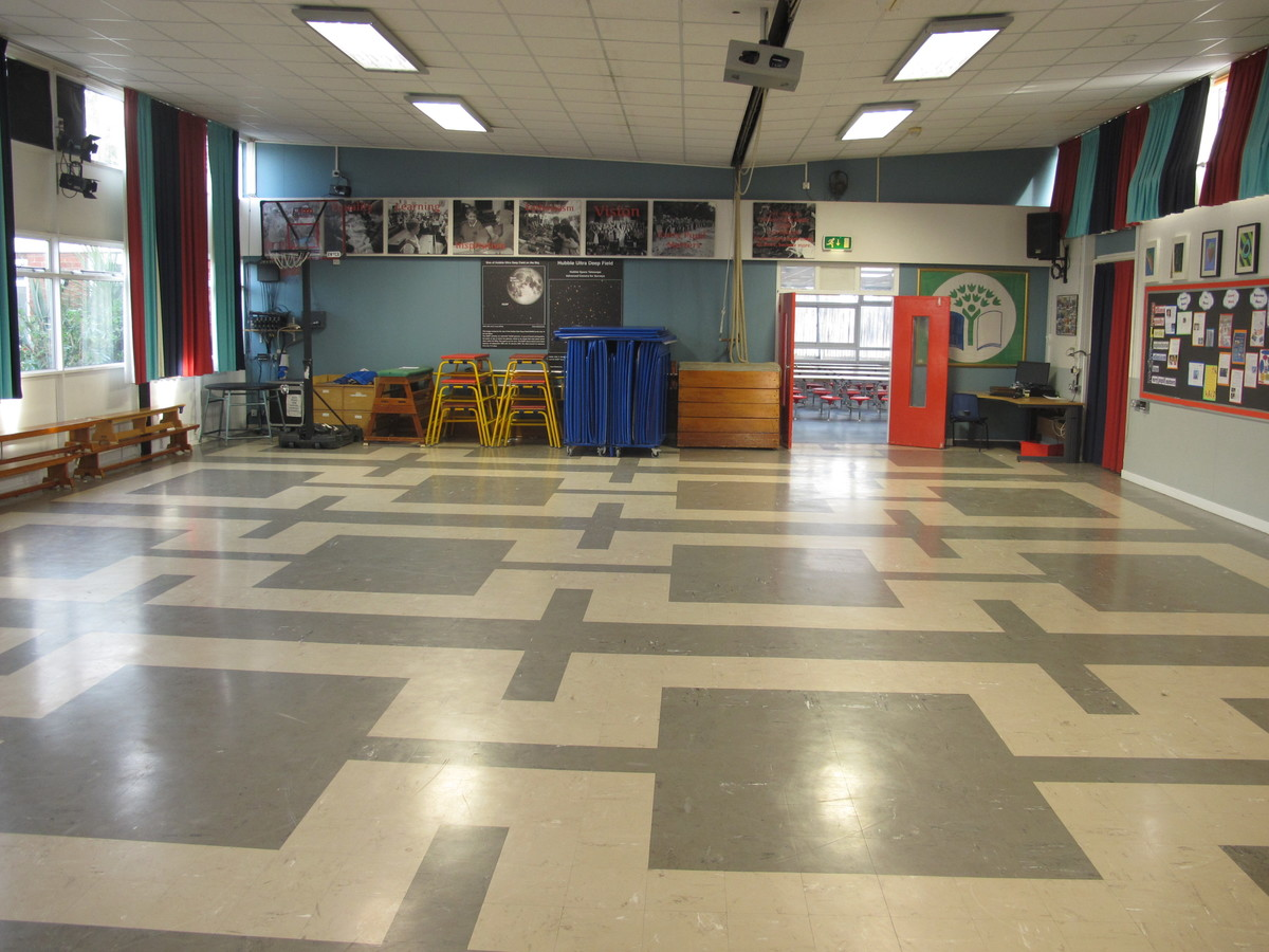 Main Hall - Wallace Fields Junior School - Surrey - 1 - SchoolHire
