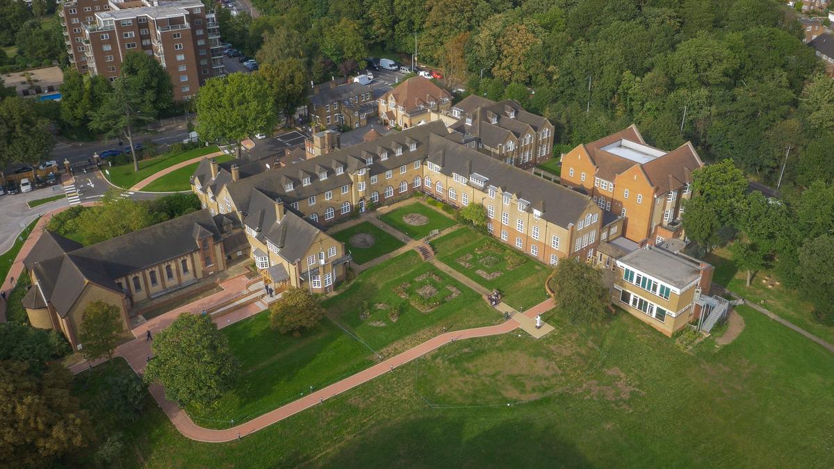 St Augustine's Priory - Ealing - 1 - SchoolHire