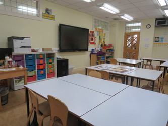 Junior Classrooms - St Augustine's Priory - Ealing - 4 - SchoolHire