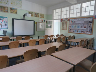 Senior Classrooms - St Augustine's Priory - Ealing - 4 - SchoolHire
