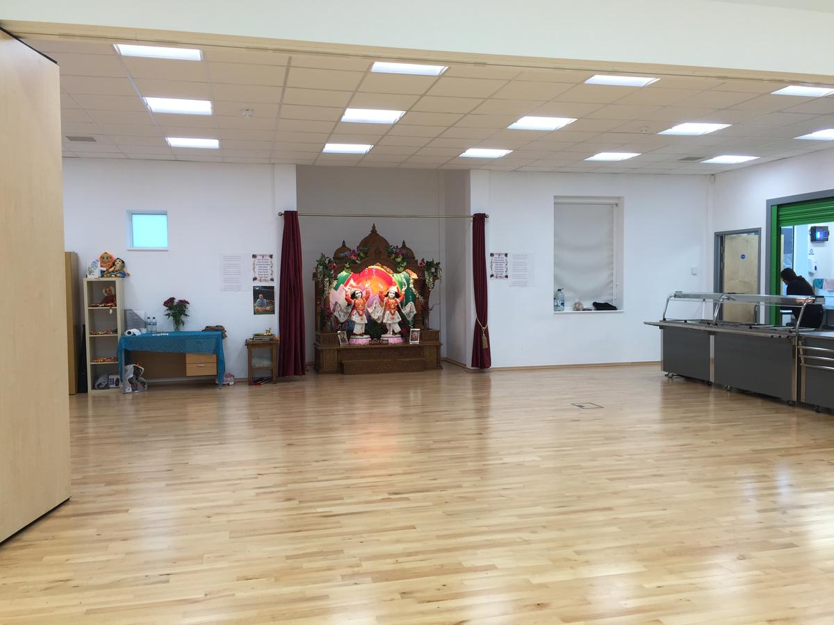 Main Hall - Krishna Avanti (Croydon) Primary School - Croydon - 1 - SchoolHire