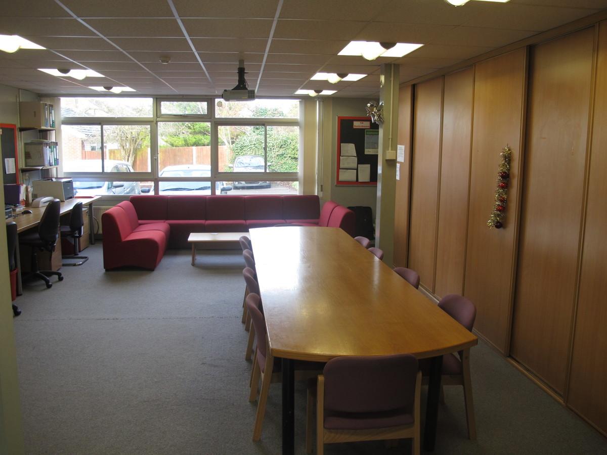 Wallace Fields Junior School - Surrey - 3 - SchoolHire