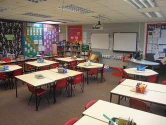 Lower school classrooms - Wallace Fields Junior School - Surrey - 1 - SchoolHire