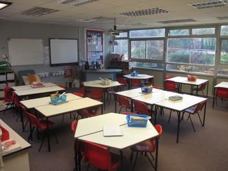Lower school classrooms - Wallace Fields Junior School - Surrey - 3 - SchoolHire