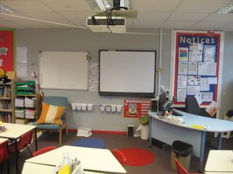 Lower school classrooms - Wallace Fields Junior School - Surrey - 4 - SchoolHire