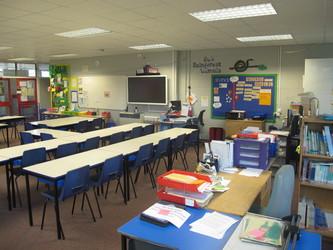 Senior school classrooms - Wallace Fields Junior School - Surrey - 1 - SchoolHire