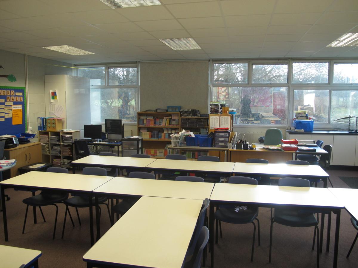 Senior school classrooms - Wallace Fields Junior School - Surrey - 3 - SchoolHire