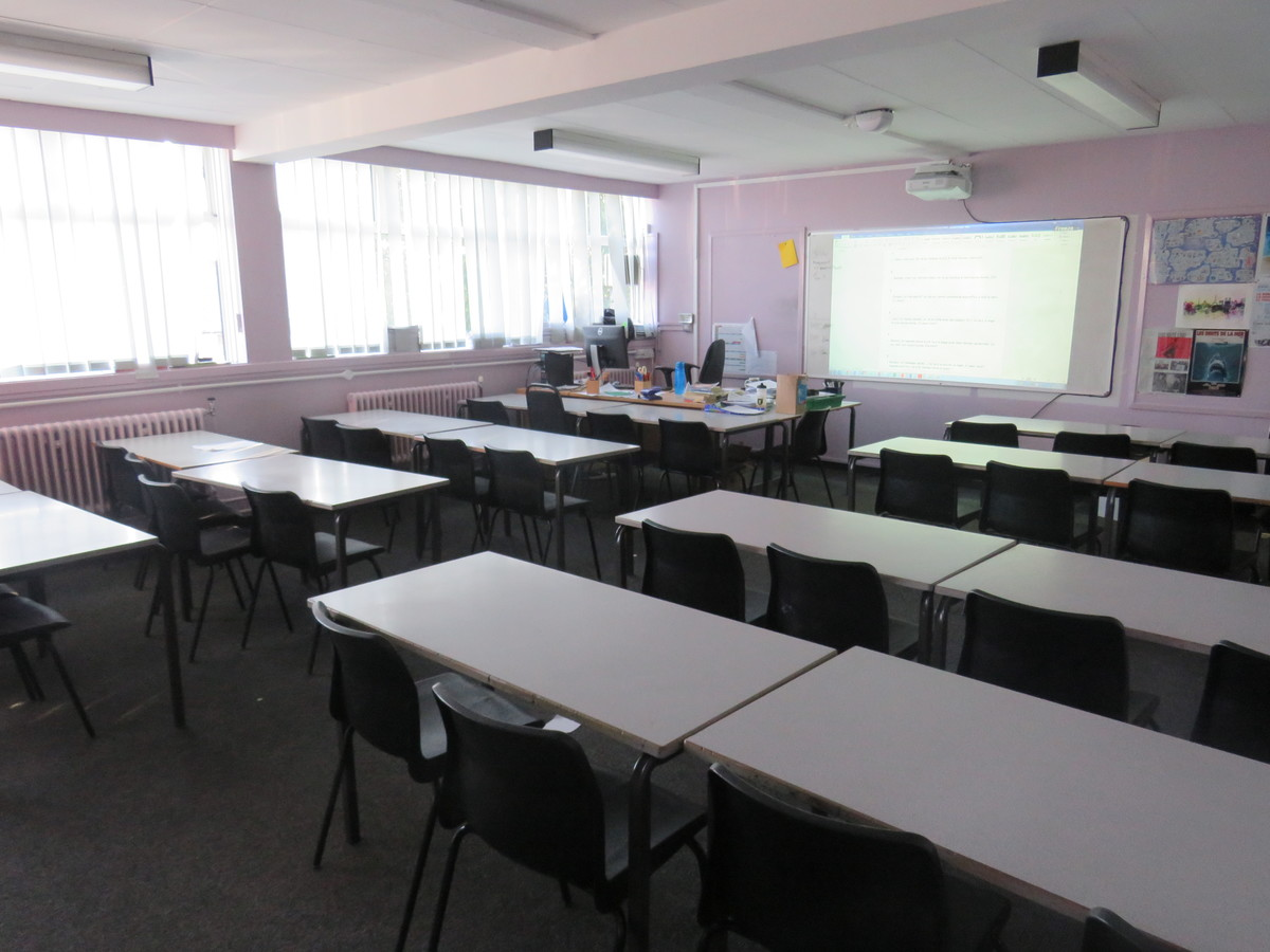 Classrooms - Carshalton Boys Sports College - Sutton - 3 - SchoolHire