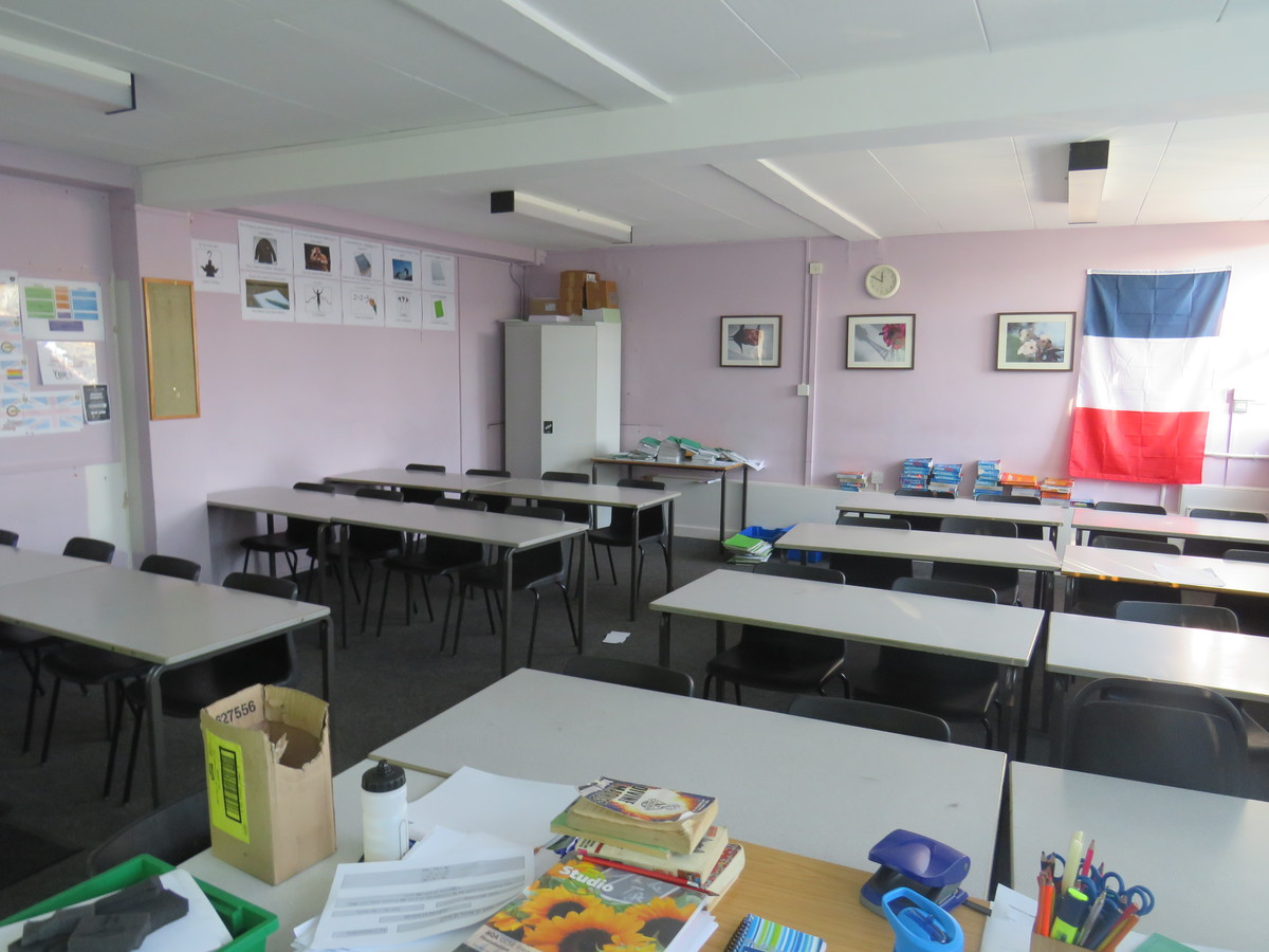 Classrooms - Carshalton Boys Sports College - Sutton - 4 - SchoolHire