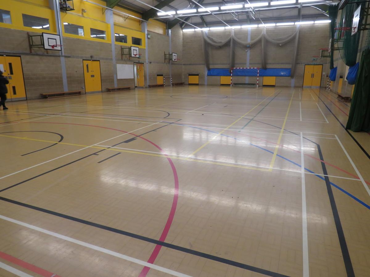 Sports Hall (SM5 2SE) - Carshalton Boys Sports College - Sutton - 2 - SchoolHire