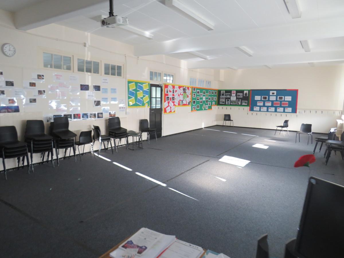 Drama Studio (Small) - Carshalton Boys Sports College - Sutton - 2 - SchoolHire