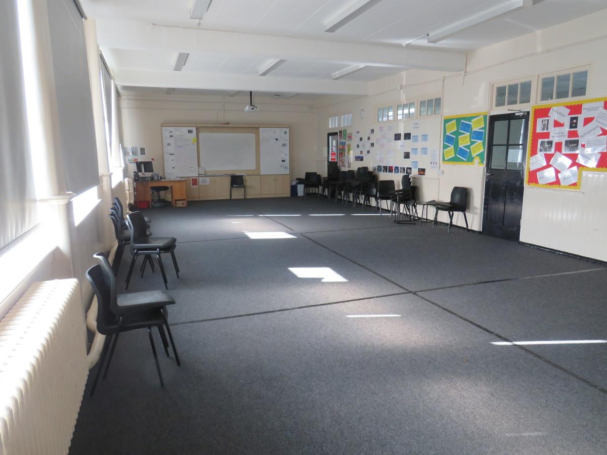 Drama Studio (Small) - Carshalton Boys Sports College - Sutton - 3 - SchoolHire