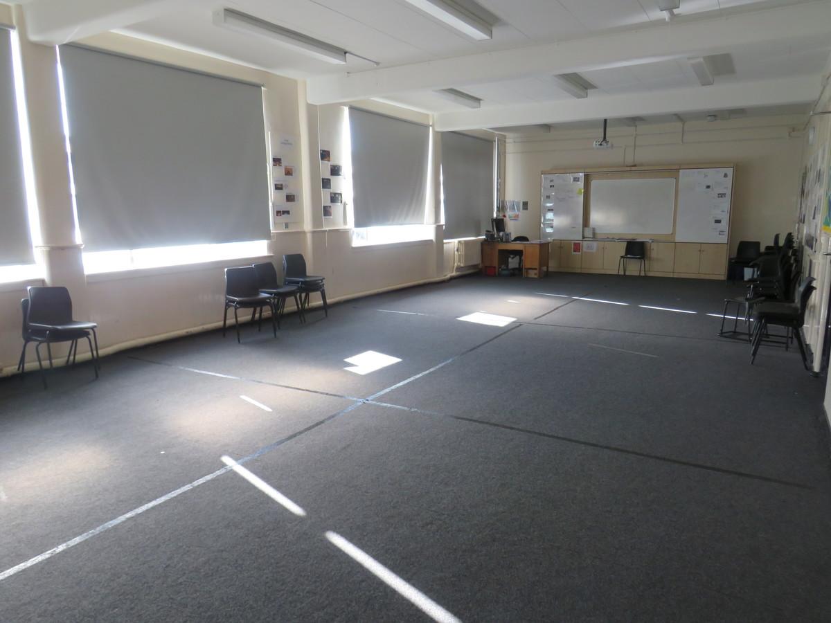 Drama Studio (Small) - Carshalton Boys Sports College - Sutton - 4 - SchoolHire