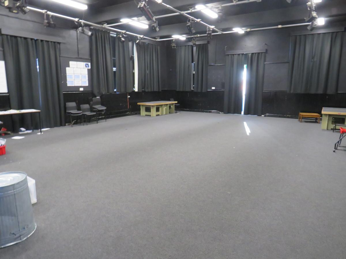 Drama Studio (Large) - Carshalton Boys Sports College - Sutton - 2 - SchoolHire
