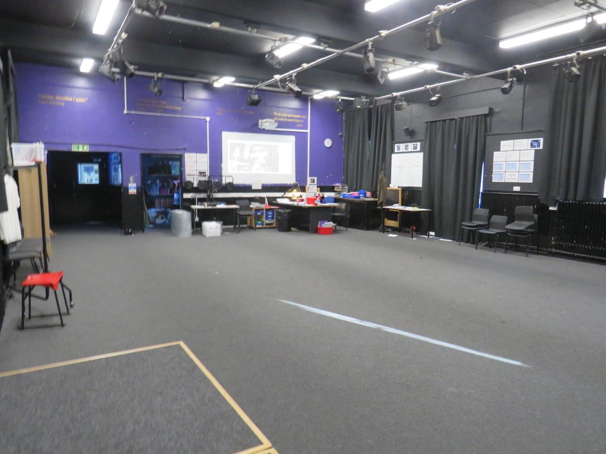 Drama Studio (Large) - Carshalton Boys Sports College - Sutton - 3 - SchoolHire