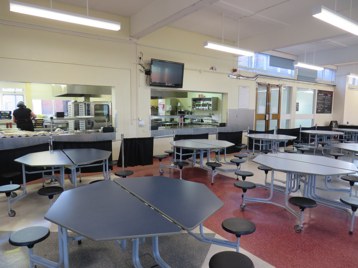 Dining Hall - Carshalton Boys Sports College - Sutton - 1 - SchoolHire