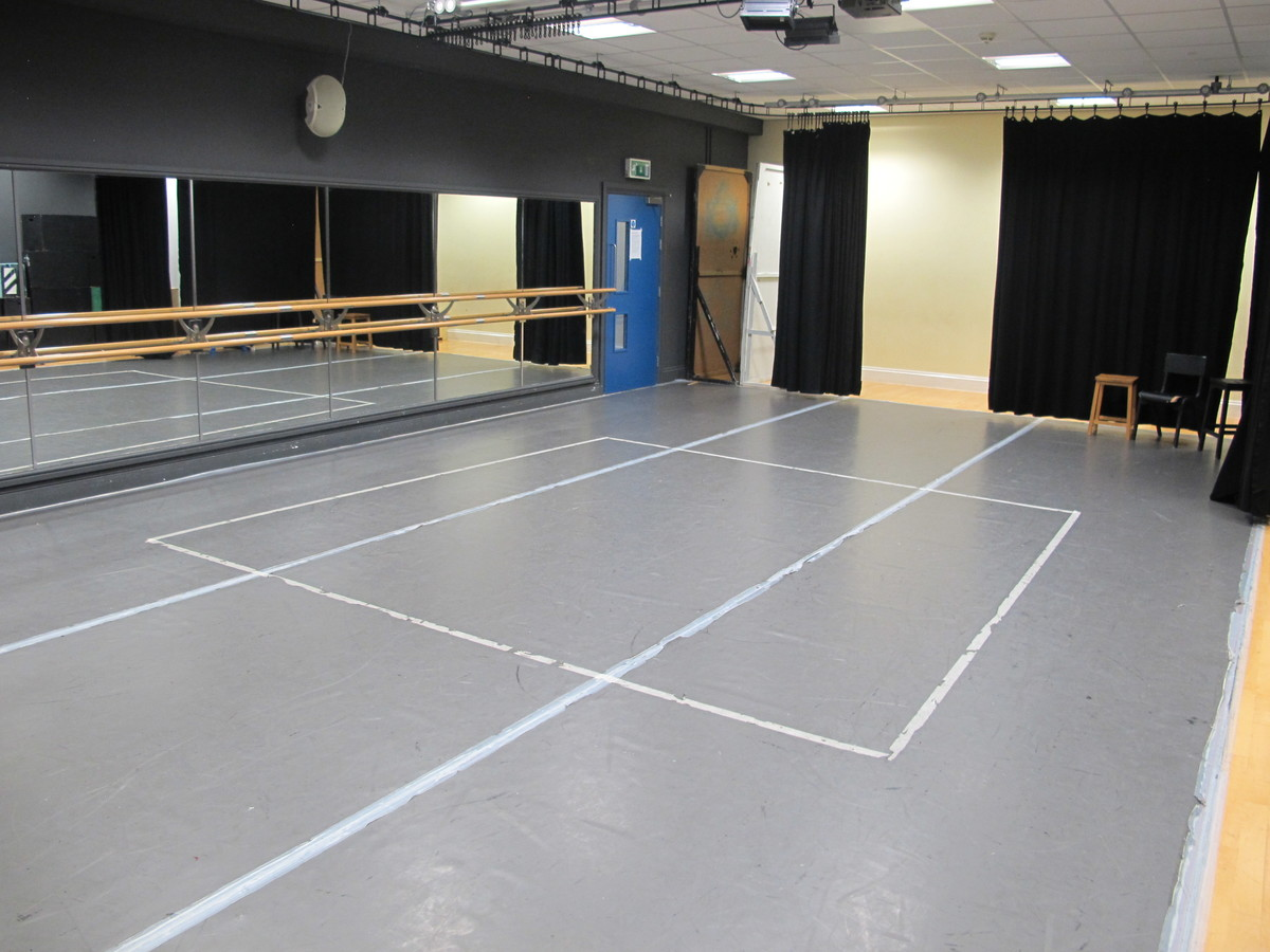 Dance/Drama Studio - Kingsley School Bideford - Devon - 2 - SchoolHire
