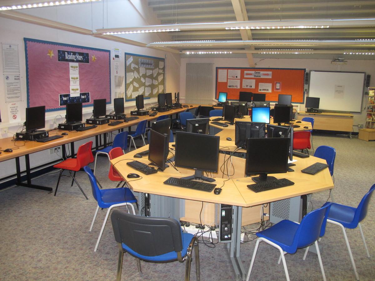 IT Suite - Firth Park Academy - Sheffield - 1 - SchoolHire